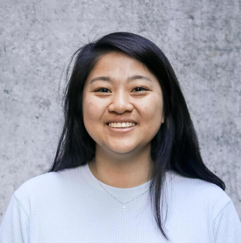 Cindy Lo, Desktop Consultant